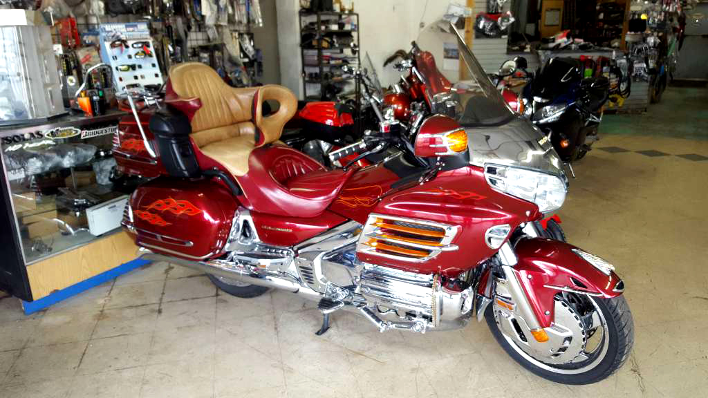 2001 HONDA Gold Wing 77k miles one owner tons of accessories ypsilanti only 7199 734-485-1482
