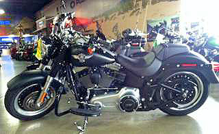 2013 HARLEY-DAVIDSON Softail Fat Boy Lo matte black all of the features youd expect on a custom H