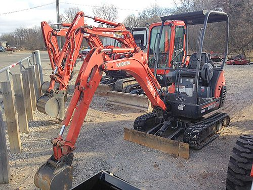 2011 KUBOTA KX41 Excavator 17 hp diesel 3693 lb op weight 7 10 dig depth 3500 lb breakout forc