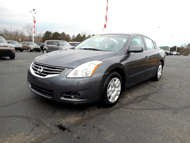 2010 NISSAN Altima 25S J101139A 25L FWD very clean 10406