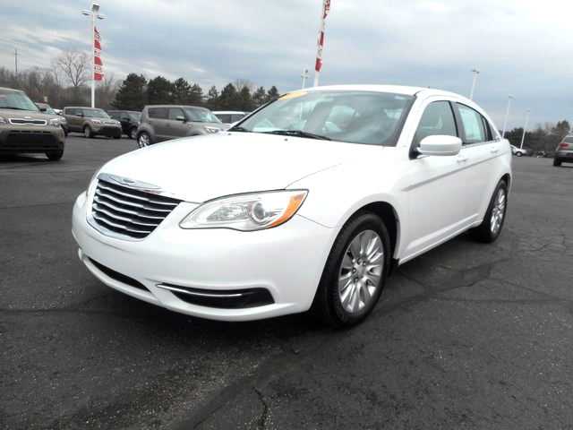 2013 CHRYSLER 200LX J3493A FWD well equipped very clean 12263
