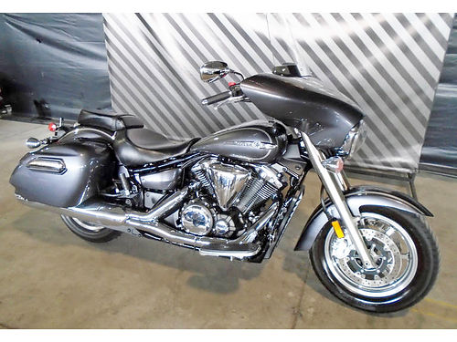 2014 YAMAHA V-Star 1300 Deluxe NEW gray save over 4000 0 down financing available ask for Ros