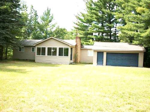 11361 CLAM RIVER  What a find 3BD 2BA home 44 acres 300 feet on the Clam River great park-li