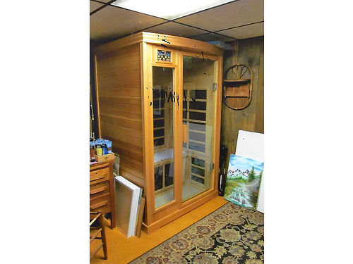 SAUNATEC Infrared Detox Sauna two person with sound system breaks down for easy moving excellent
