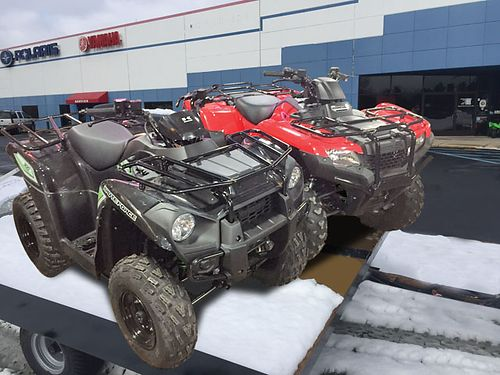 BUDDY Pack 2 2017 Kawasaki Brute Forces comes with brand new trailer 2 helmets 2 pairs of glov