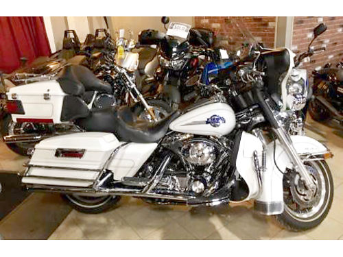 2005 HARLEY-DAVIDSON Ultra Classic Electra Glide FLHTCUI glacier white pearl hard bags full dress