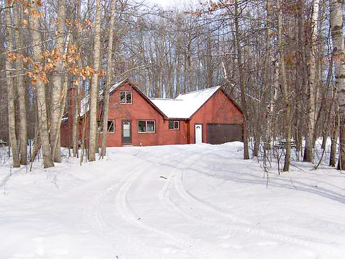 3242 GREENBRIAR Freeman Twp - 3 bedroom 2 bath open loft chalet in private Association with clubho