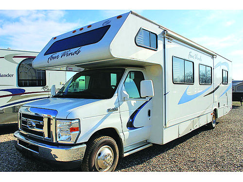 2004 COACHMEAN Freelander 2600 slide awning ac generator full kitchen  bath lots of storage