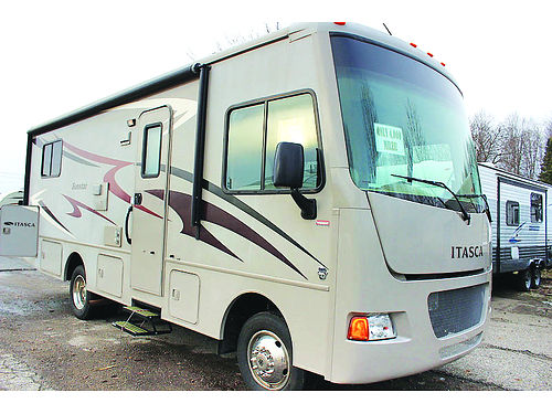2014 ITASCA Sunstar 25 HE only 3900 miles rear super storage slide out rear queen full kitchen