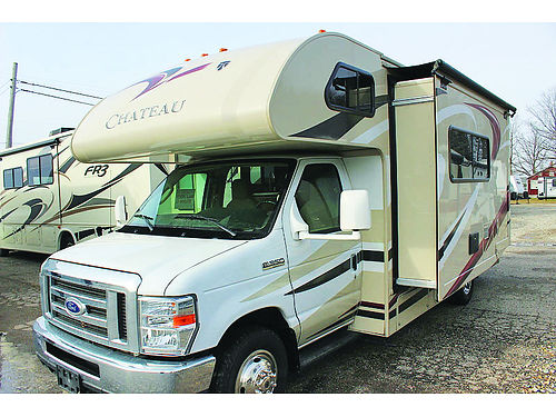 2015 THOR Motor Coach Chateau 24C awning rear bedroom full bath lots of storage super slide out