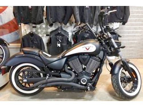 2013 VICTORY High Ball cruiser Slash Pipes Bad to the Bone Must see this one 0 down financing