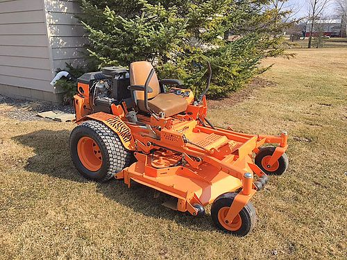 SCAG Turf Tiger 61 cut 27 HP Kawasaki LC 4875