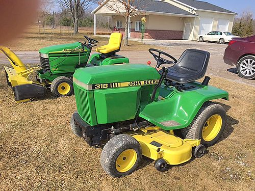 JOHN Deere 318 50 cut 18 HP Onan PS hydro 2475