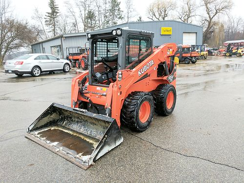KUBOTA SSV75 Skid Loader turbo charged diesel enclosed cab heatair self leveling 78 bucket