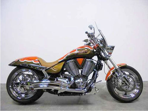 2007 VICTORY Hammer must see - custom paint chrome everywhere 8999 for more info email leadsdp