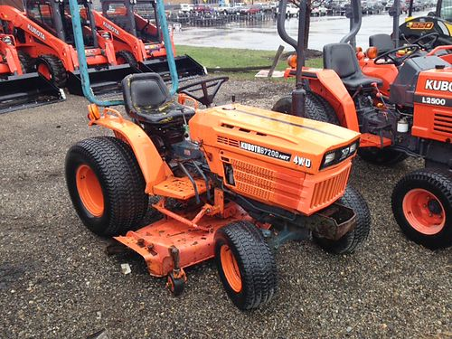 1988 KUBOTA B7200HSD 20hp 3 cylinder diesel 4WD hydro turf tires 60 deck hurry at only 5500