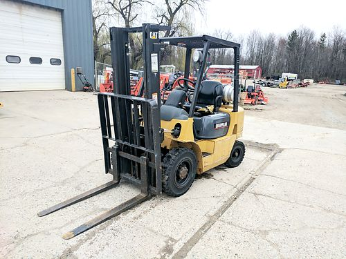 CAT GP20K Forklift 1226 hours 131 lift height propane 42 forks 4000lb lift capacity 9900 8