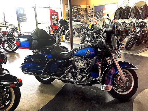 2004 HARLEY-DAVIDSON Ultra FLHTCU 30K miles blue in color must see ask for Cody or James 7997