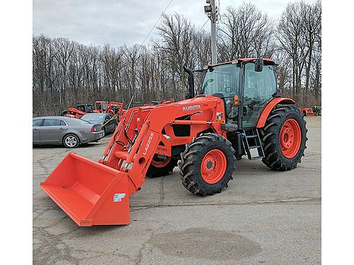 KUBOTA M6-141 Tractor Loaded hydraulic shuttle shift 114 hp PTO LA2255 loaded with 8 bucket 866
