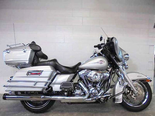 2010 HARLEY-DAVIDSON Electra Glide Classic U2890 brilliant silver ABS 10900 Email leadsdp36