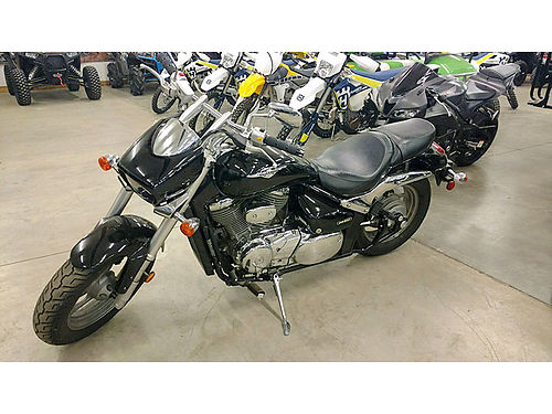 2015 SUZUKI M50 only 2800 miles great price at only 4995