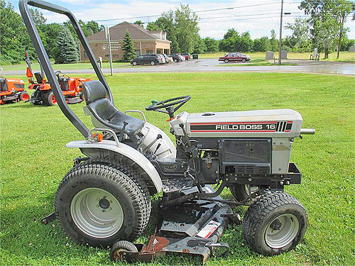 FIELD Boss 16 white 16 HP 3 cyl diesel 3 pt PTO 2WD Turf Tires 48 belly mower 3950
