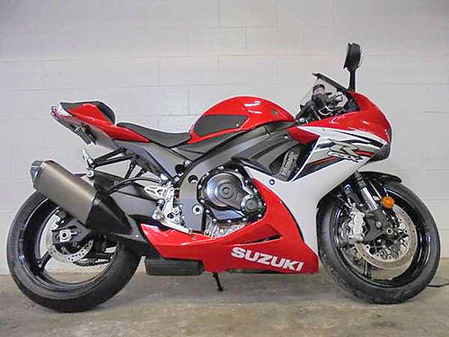 2013 SUZUKI GSX-R600 U3020 only 1060 miles completely stock and rips 8999 Email leadsdp360crm