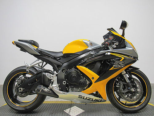 2008 SUZUKI GSX-R600 U3131 runs strong needs nothing M-4 exhaust fender eliminator kit and mo