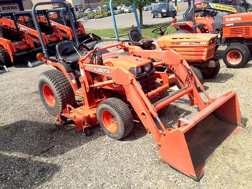 2001 KUBOTA B7500 HSD loader 60 mid-mower 21hp diesel 4WD power steering hydro only 8950