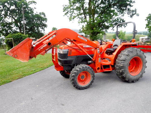 2011 KUBOTA L4400HST with loader 44hp diesel 4WD under 425 hours 20950
