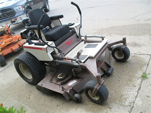 2003 GRASSHOPPER 225 6225 25hp Kohler twin cylinder 61 mid mount mower 3850