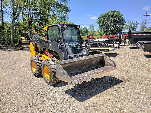 JCB 330 Eco Skidsteer 92hp turbocharged diesel 72 QA bucket 23gpm hydraulic flow 4WD 36900