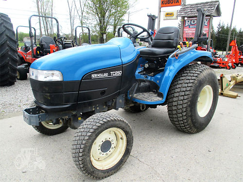 2000 NEW Holland TC25D 6264 3 cylinder diesel 25hp hydro transmission 4WD 3 pt PTO turf tires