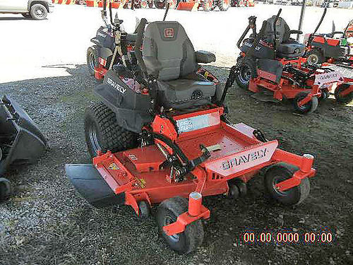 GRAVELY Pro-Turn 460 9922830 demo unit 60 heavy duty fabricated deck 33hp 24 tires foost as
