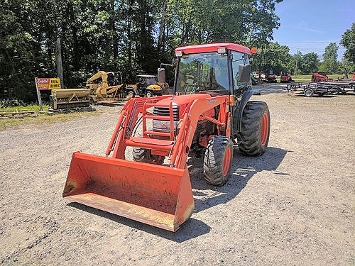 KUBOTA L3430 Cab Tractor 34hp diesel HST transmission factory cab with heat and air 540 PTO 65