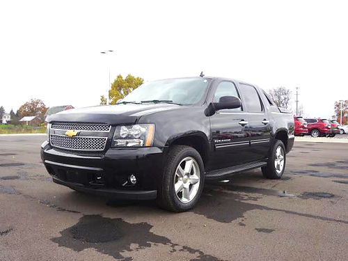 2013 CHEVY Avalanche LT P1860 only 43130 miles 4WD sunroof premium sound call today to save