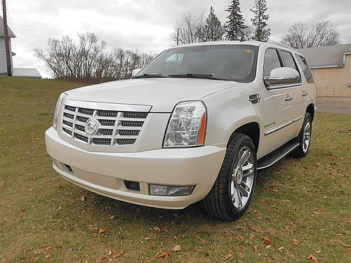 2009 CADILLAC Escalade 178K miles 7 passenger original owner bought new no lien both sets of k