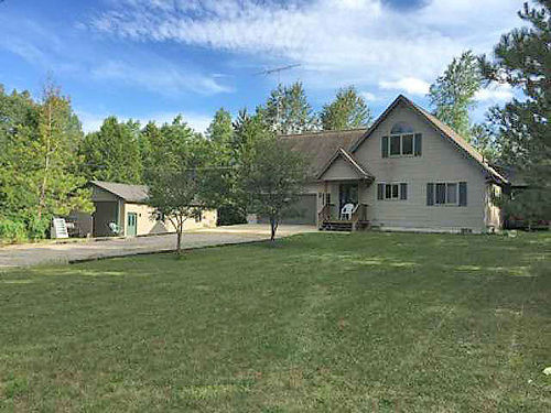 10620 CRANBERRY Lake Rd Gladwin - 650 feet Cedar River frontange 2 bed 2 bath 24x24 attached