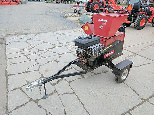 MACKISSIC Wood Chipper manual start 45 chipper capacity 570cc Briggs and Stratton 1800 866-5