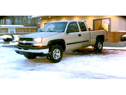 2004 CHEVY Silverado 1500 LS extended cab 4x4 only 186month or 7944
