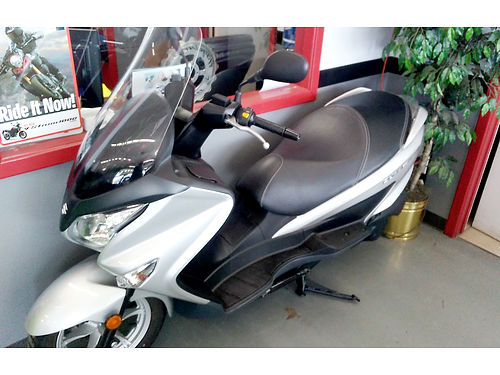 2014 SUZUKI Burgman 200 - New Ride in style this spring financing available - call now save 1200