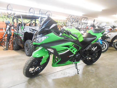 2015 KAWASAKI Ninja 300 296cc only 1947 miles great condition 3499