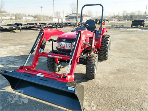 2017 MAHINDRA 1526 HST new loader 72 belly mower 26 HP 4WD ready to help you get work done