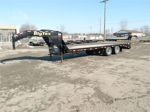 2017 BIG Tex 22GN tandem dual axle gooseneck 102 x 25 dovetail with 2 mega ramps all steel whee