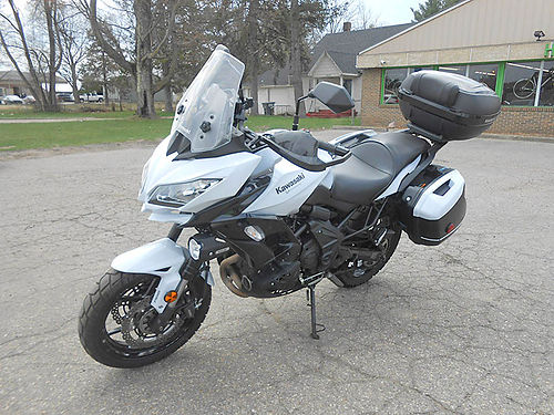 2015 KAWASAKI Versys 650 LT great condition one owner low miles 5999