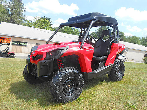 2017 CAN-AM Commander 800R 886 miles great condition Viper Red 9399