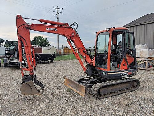 KUBOTA KX121 Excavator - 42hp Kubota diesel engine max dig depth 115 max reach 18 operating wei