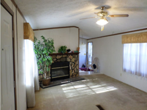 NORTH AUGUSTA 2br 2ba private drive beautiful home fireplace 600mo plus deposit For more photo