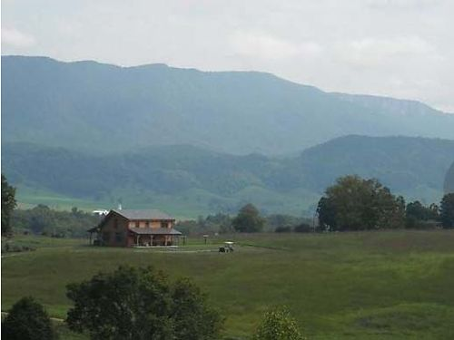 EWING VA 300 acre income producing newly fenced cattle farm 250 acres of hay  pasture 50 acres w