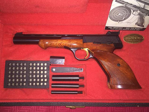 PISTOL Browning Belgium Medalist Model 1969 22cal Collectors Item Comes with case and all acces